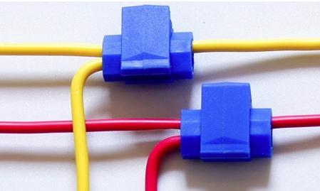 Пластиковые зажимы для проводов